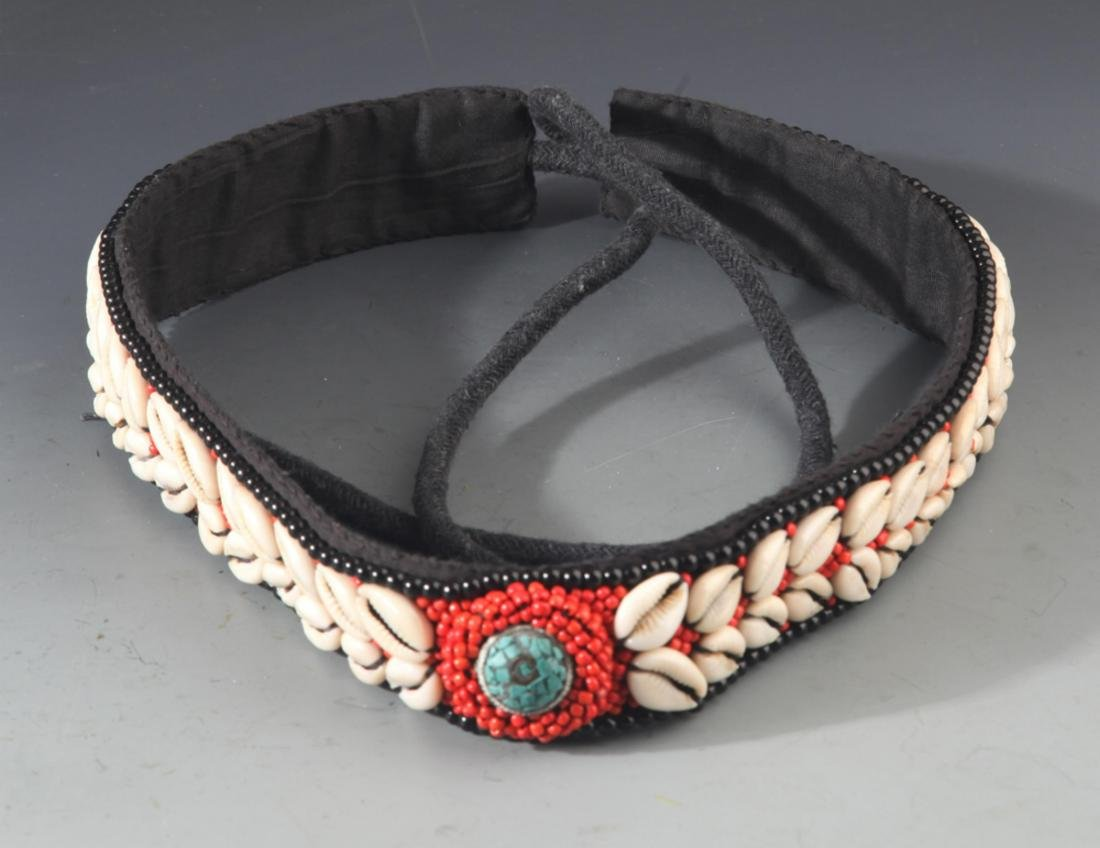 A CORAL HEADBAND AND CORAL BRACELETS - 3