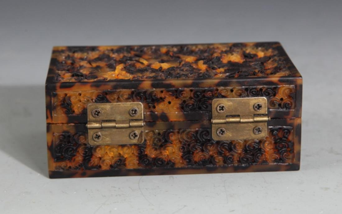 A FINE OLD CHINESE JEWELRY BOX - 4