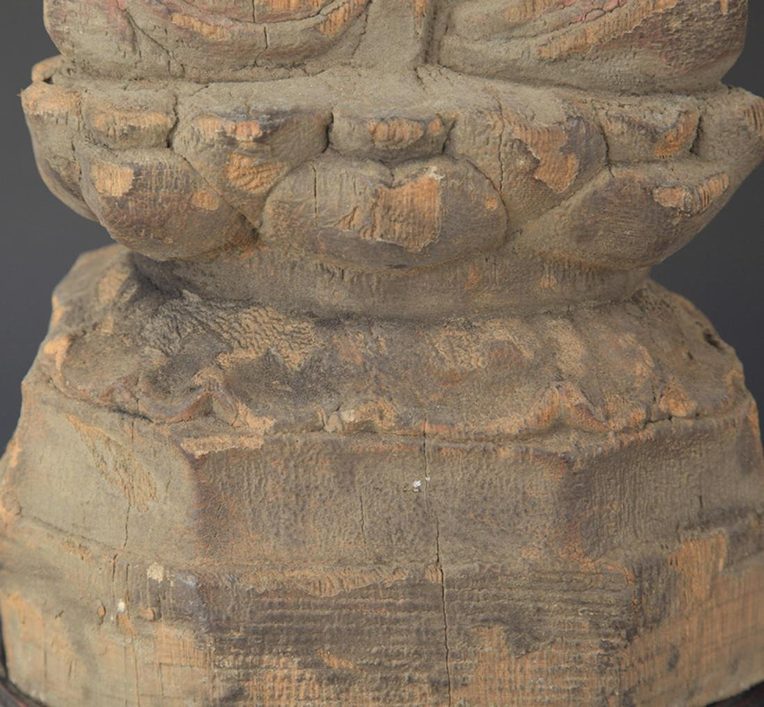 A FINELY COLORED WOODEN MANJUSRI BUDDHA FIGURE - 3