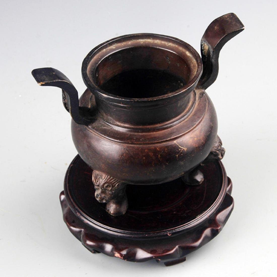 A TALL TWO HANDLE BRONZE CENSER - 2
