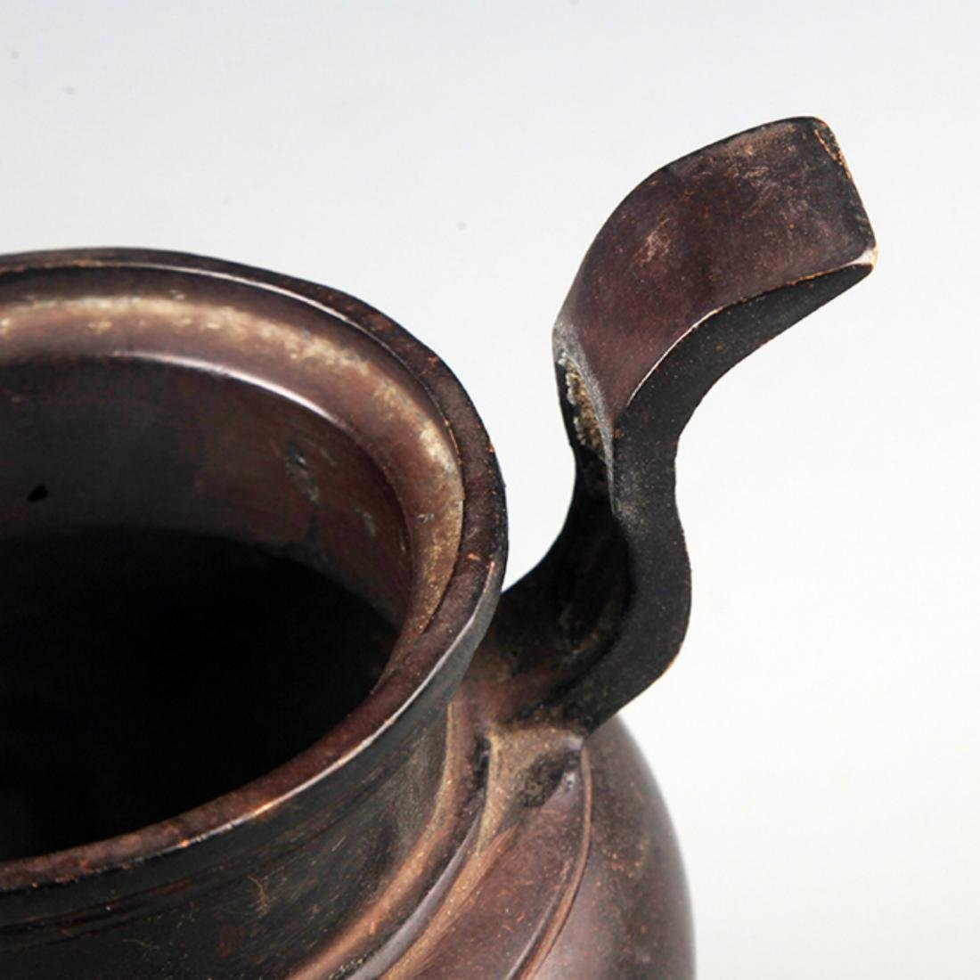 A TALL TWO HANDLE BRONZE CENSER - 3