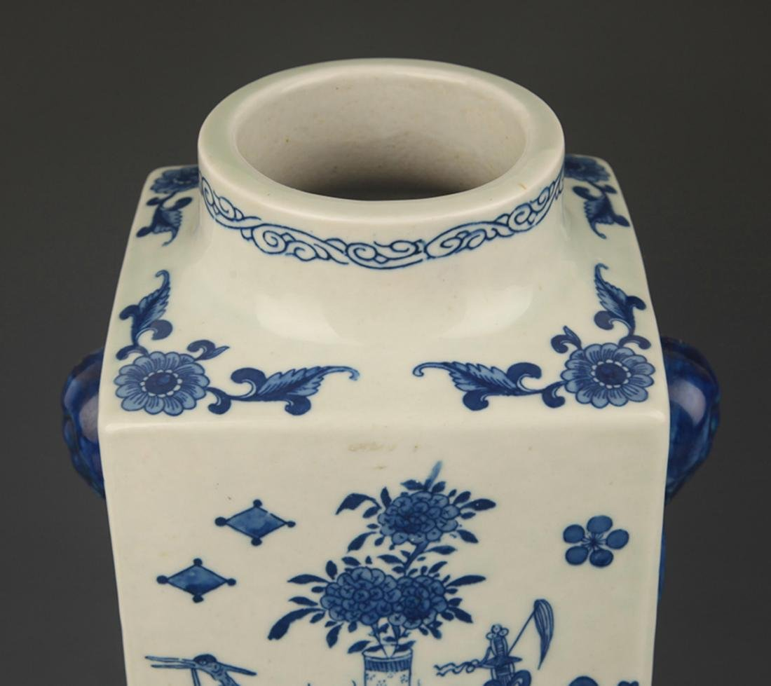 BLUE AND WHITE FLOWER PATTERN CONG STYLE VASE - 2