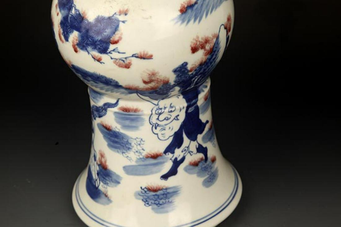 A LARGE BLUE AND WHITE STORY PORCELAIN VASE - 7
