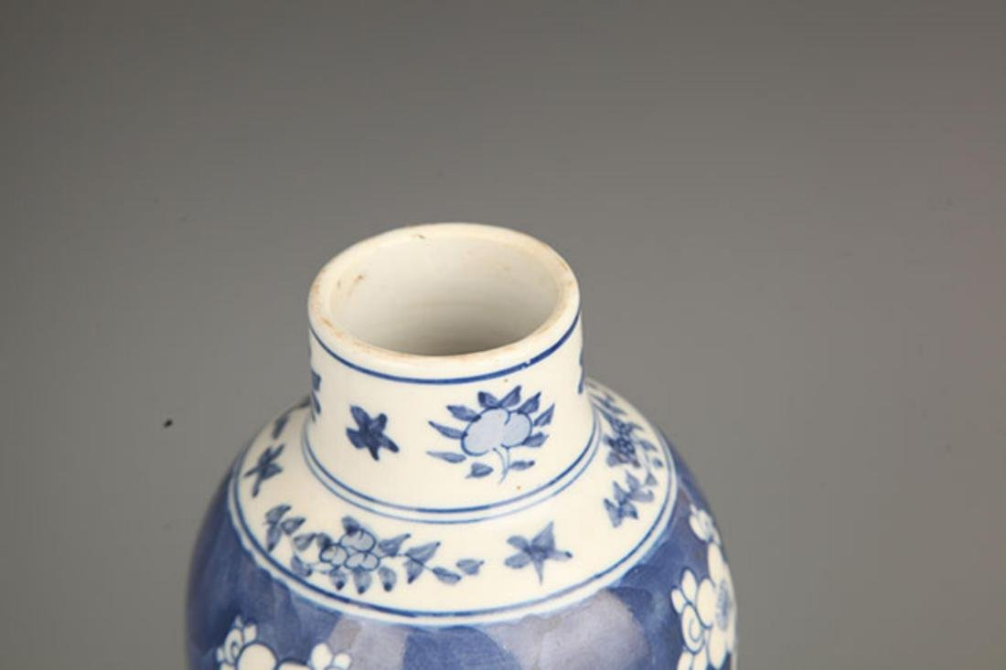 PAIR OF BLUE AND WHITE PORCELAIN VASE - 2