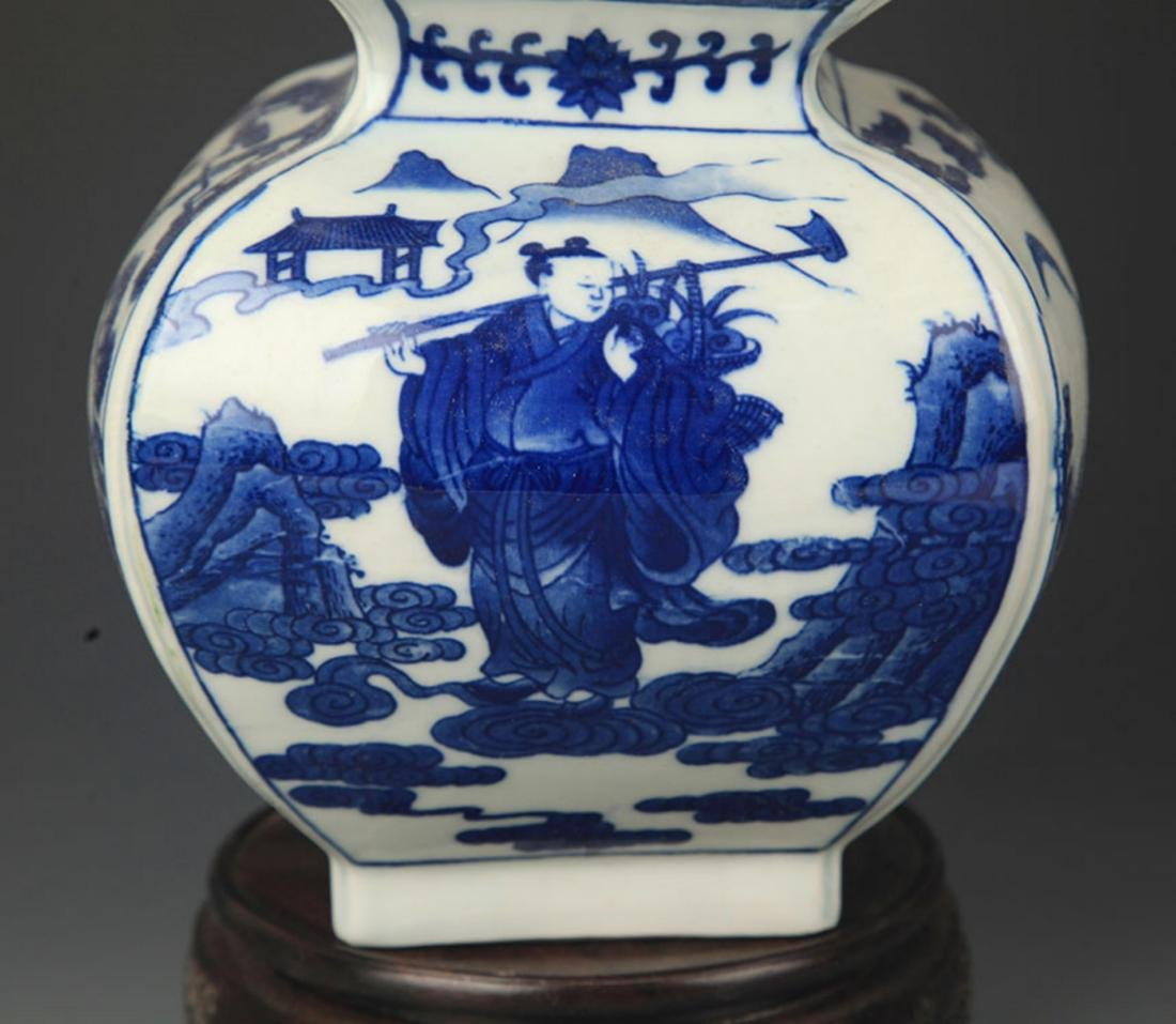 A BLUE AND WHITE CHARACTER PAINTED CUCURBIT VASE - 3