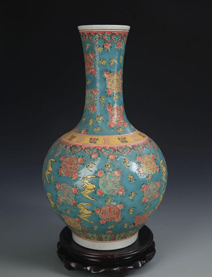 A TURQUOISE COLOR GROUND FAMILLE ROSE VASE - 3