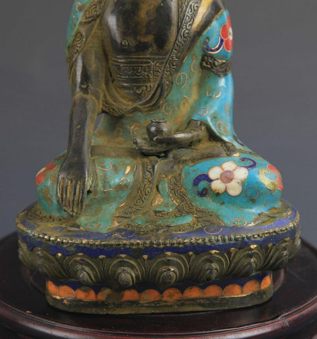 A BRONZE CLOISONNE ENAMEL PHARMACIST BUDDHA STATUE - 4