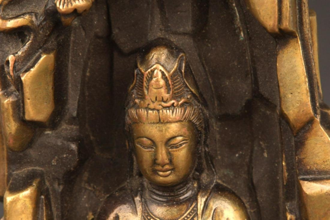 A FINELY CARVED BRONZE GUAN YIN - 3