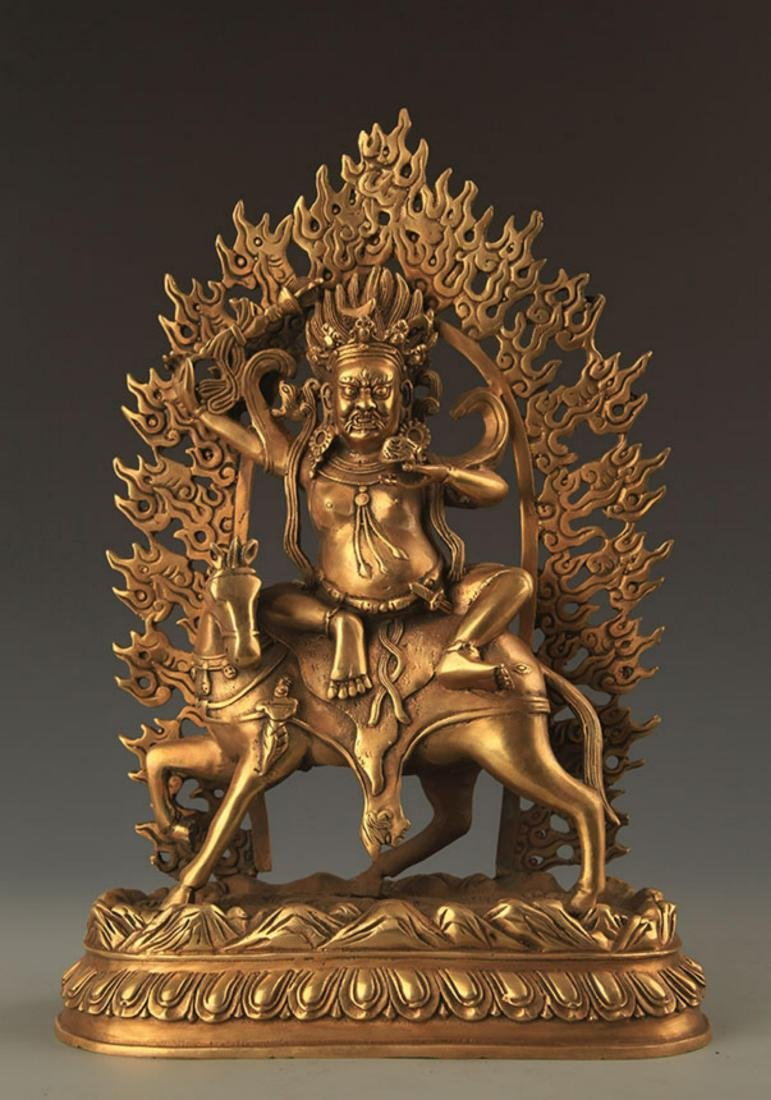 A FINELY CARVED TIBETAN BUDDHA
