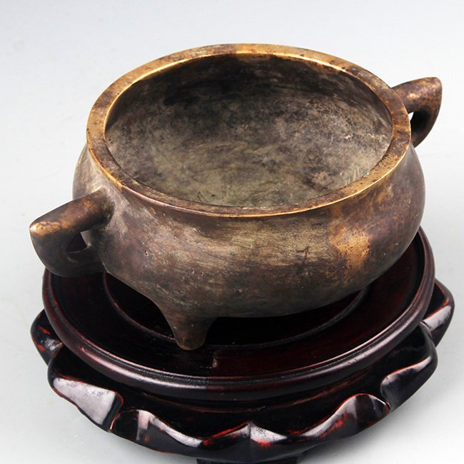 A FINE TRIPOD FOOT BRONZE CENSER - 2
