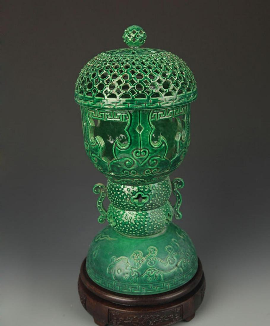 A GREEN COLOR HALLOW MADE AROMATHERAPY BURNER