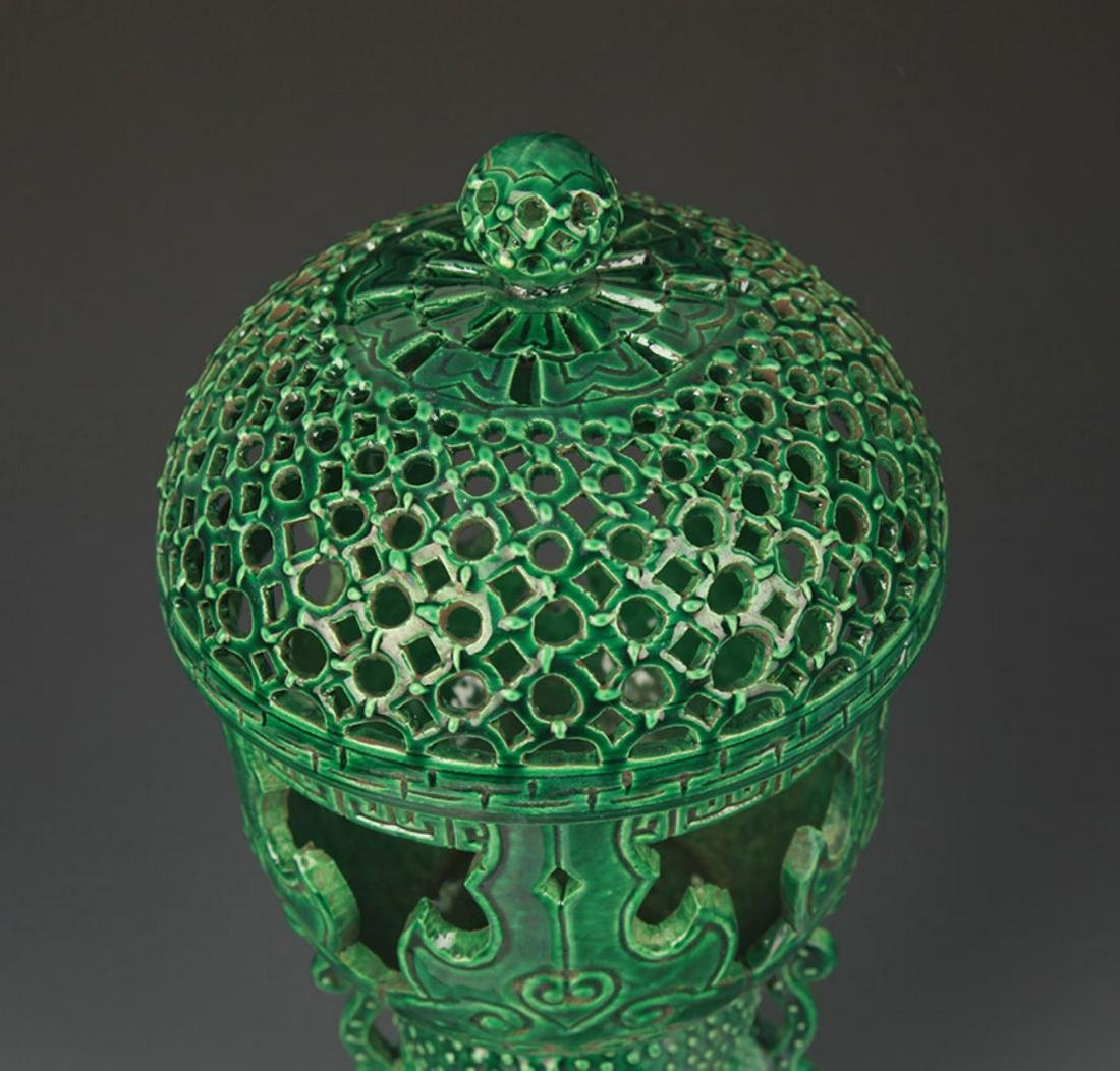 A GREEN COLOR HALLOW MADE AROMATHERAPY BURNER - 2