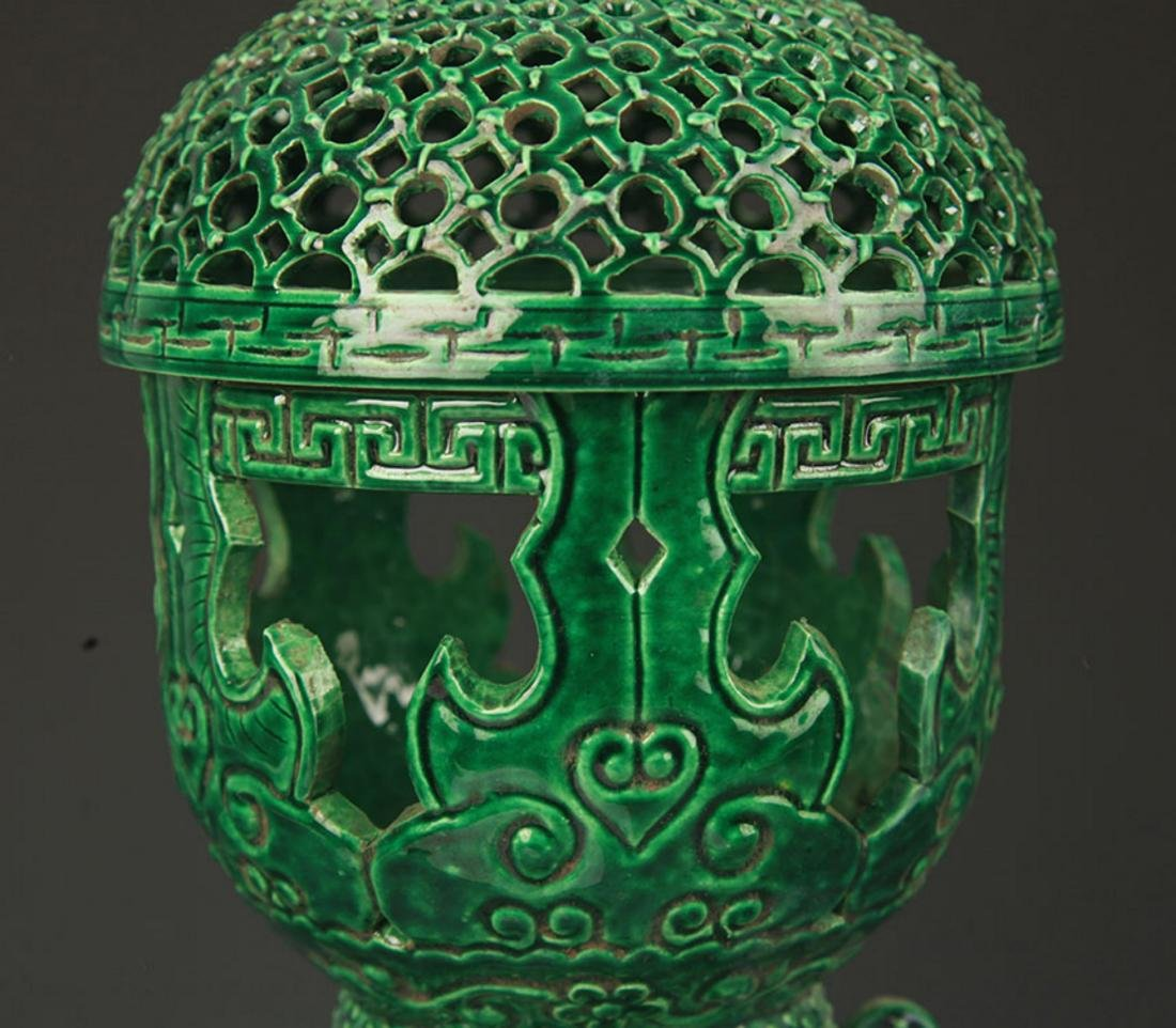 A GREEN COLOR HALLOW MADE AROMATHERAPY BURNER - 3
