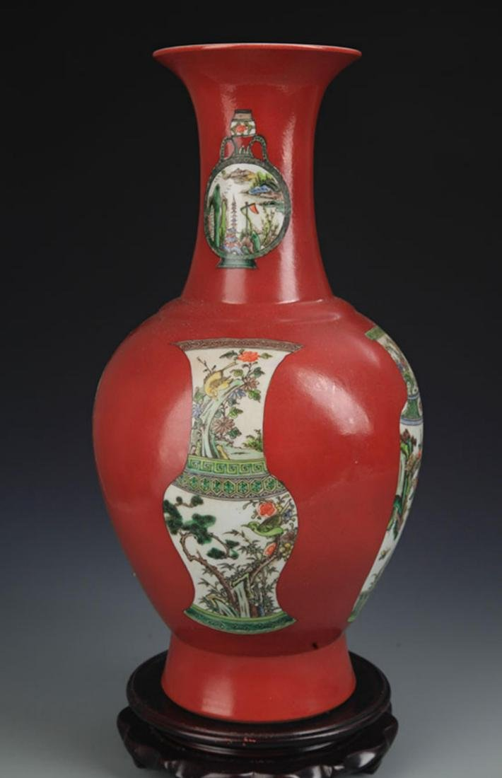 A RED CORAL GROUND FAMILLE VERTE DECORITIONAL VASE - 3