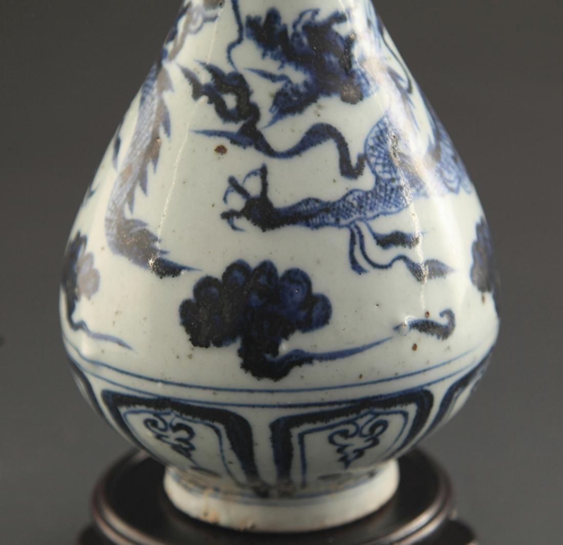 BLUE AND WHITE DRAGON PAINTED YU HU CHUN VASE - 3