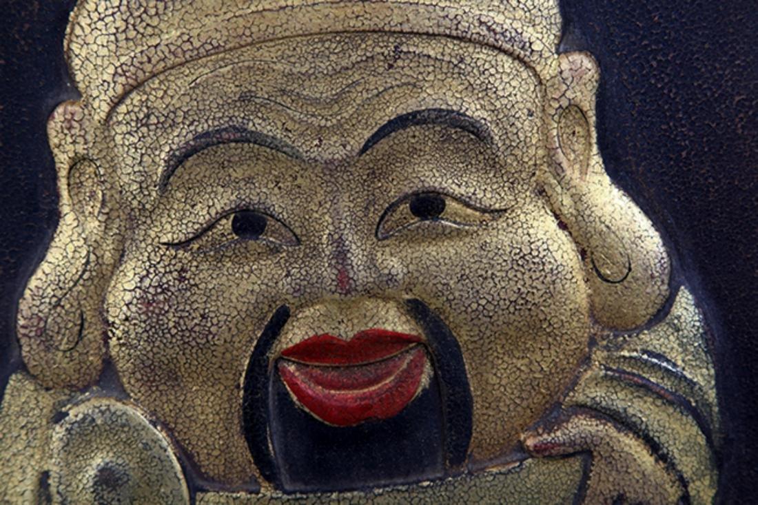A FINE LACQUER WOODEN BUDDHA DOOR SCREEN - 2