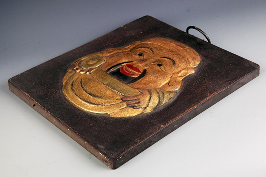 A FINE LACQUER WOODEN BUDDHA DOOR SCREEN - 4