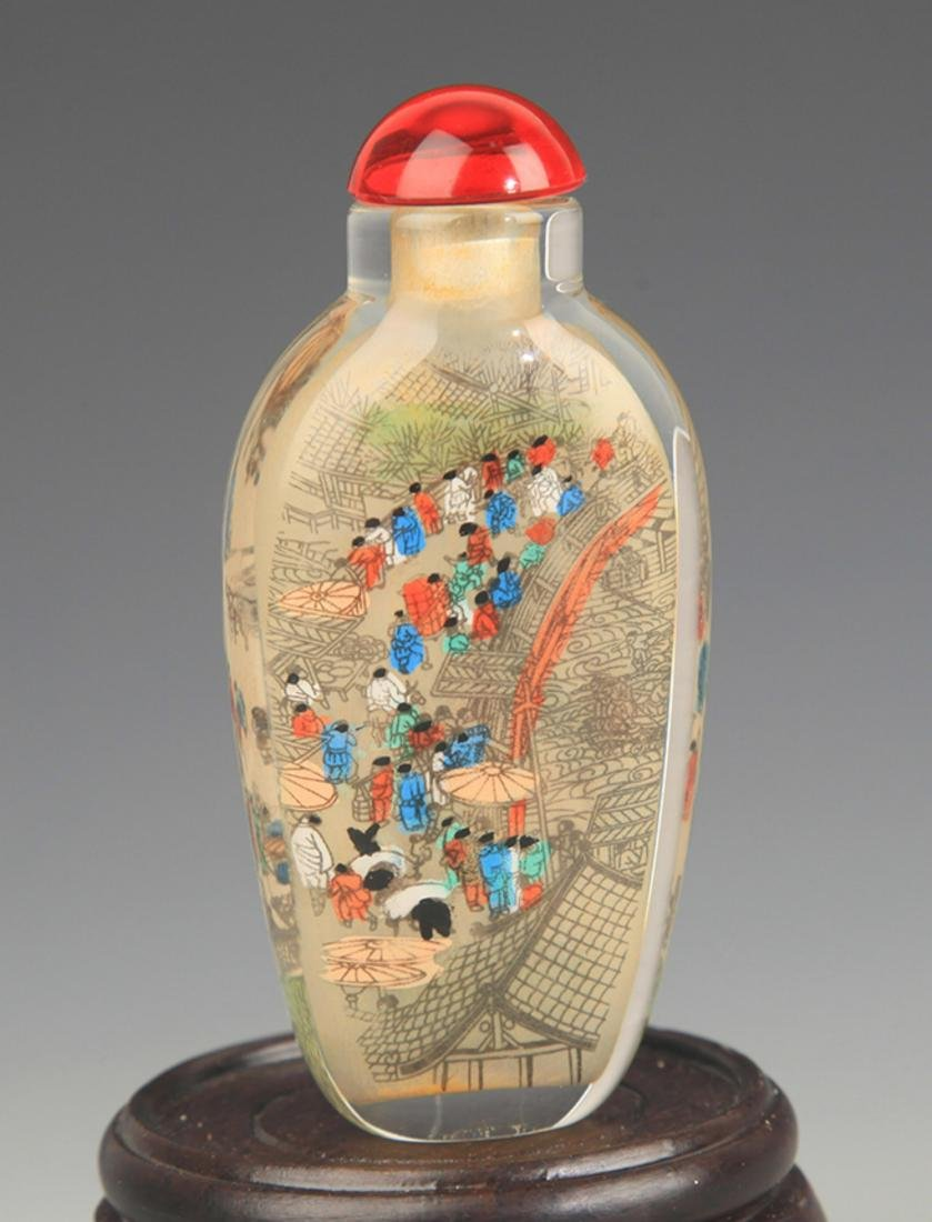 A STORY PAINTED GLASS SNUFF BOTTLE - 2