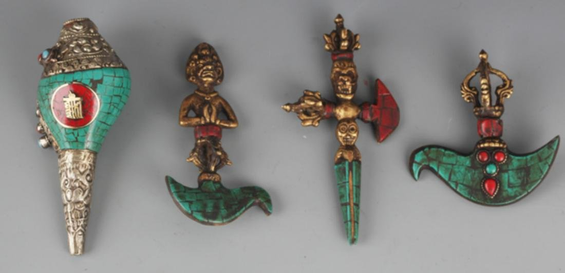 GROUP OF FOUR TIBETAN VAJRA