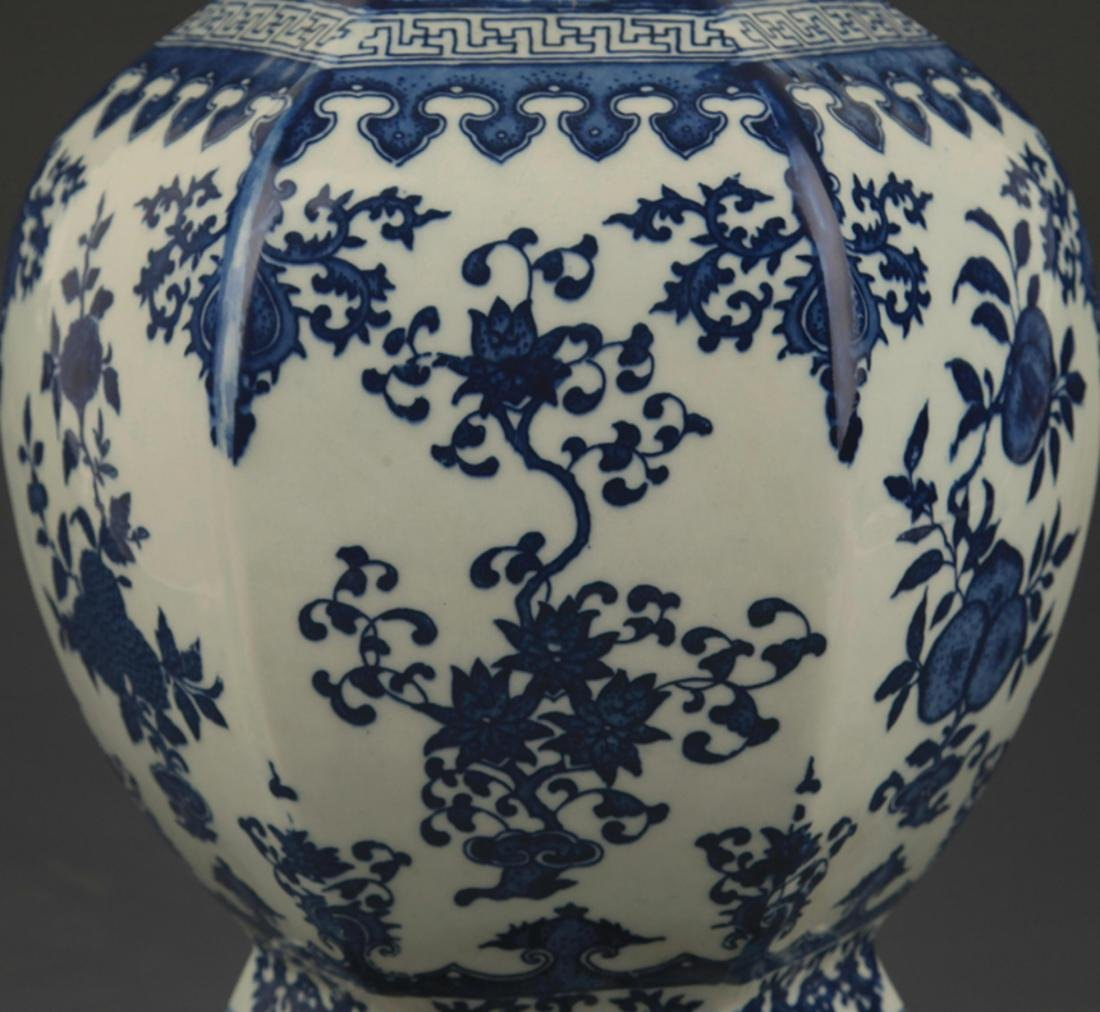BLUE AND WHITE FLOWER PATTERN SIX SIDED VASE - 3