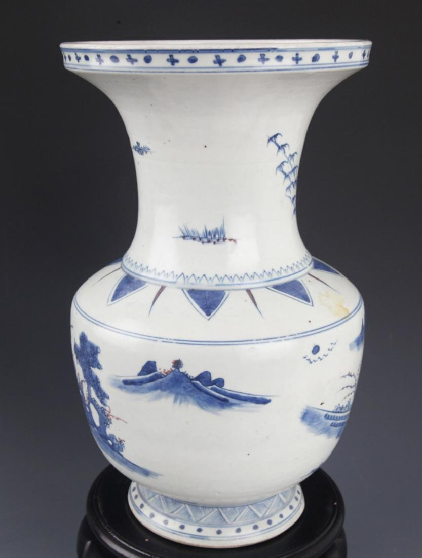 A FINELY PAINTED BLUE AND WHITE PORCELAIN JAR - 2