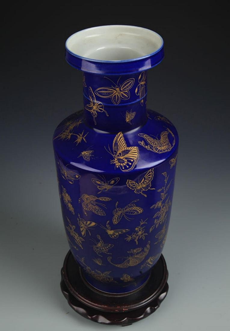 A DEEP BLUE GROUND, SPRINKLE GOLD WOOD CLUB STYLE VASE - 2