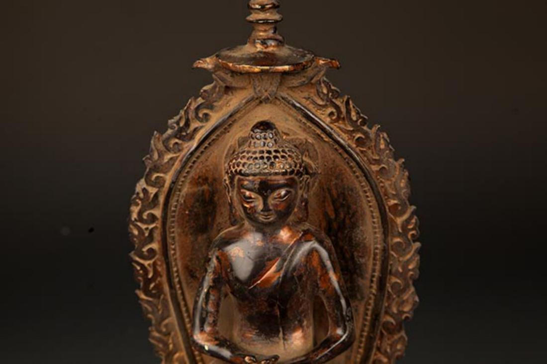 A FINELY MADE BRONZE TATHAGATA BUDDHA FIGURE WITH HALO - 3