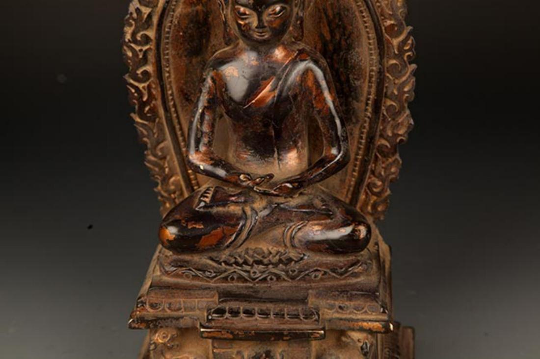 A FINELY MADE BRONZE TATHAGATA BUDDHA FIGURE WITH HALO - 4