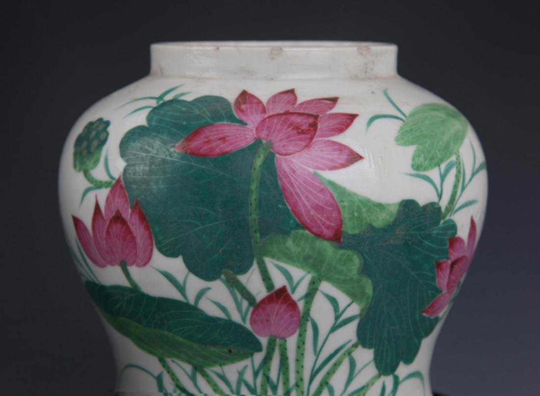 A GROUP OF THREE FINELY PAINTED PORCELAIN JAR - 2