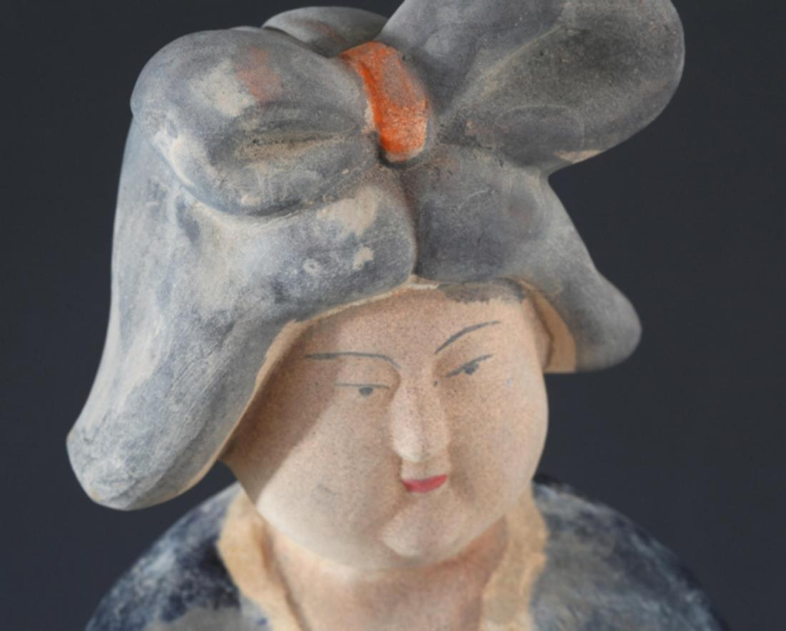 SAN CAI COLOR FEMALE FIGURE AND PORCELAIN LONGEVITY GOD - 3
