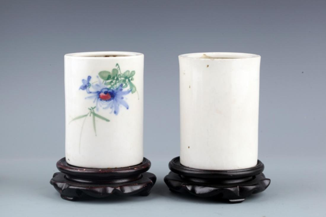 PAIR OF WHITE COLOR PORCELAIN BRUSH JAR