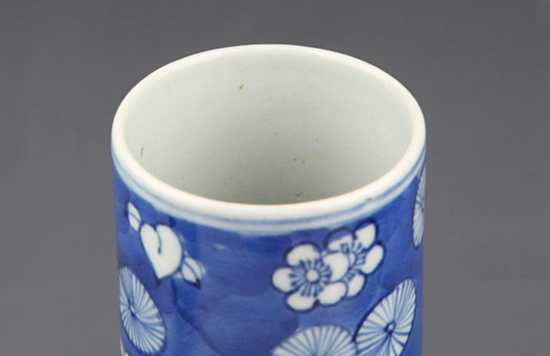 PAIR OF FINELY PAINTED BLUE AND WHITE FLOWER JAR - 2