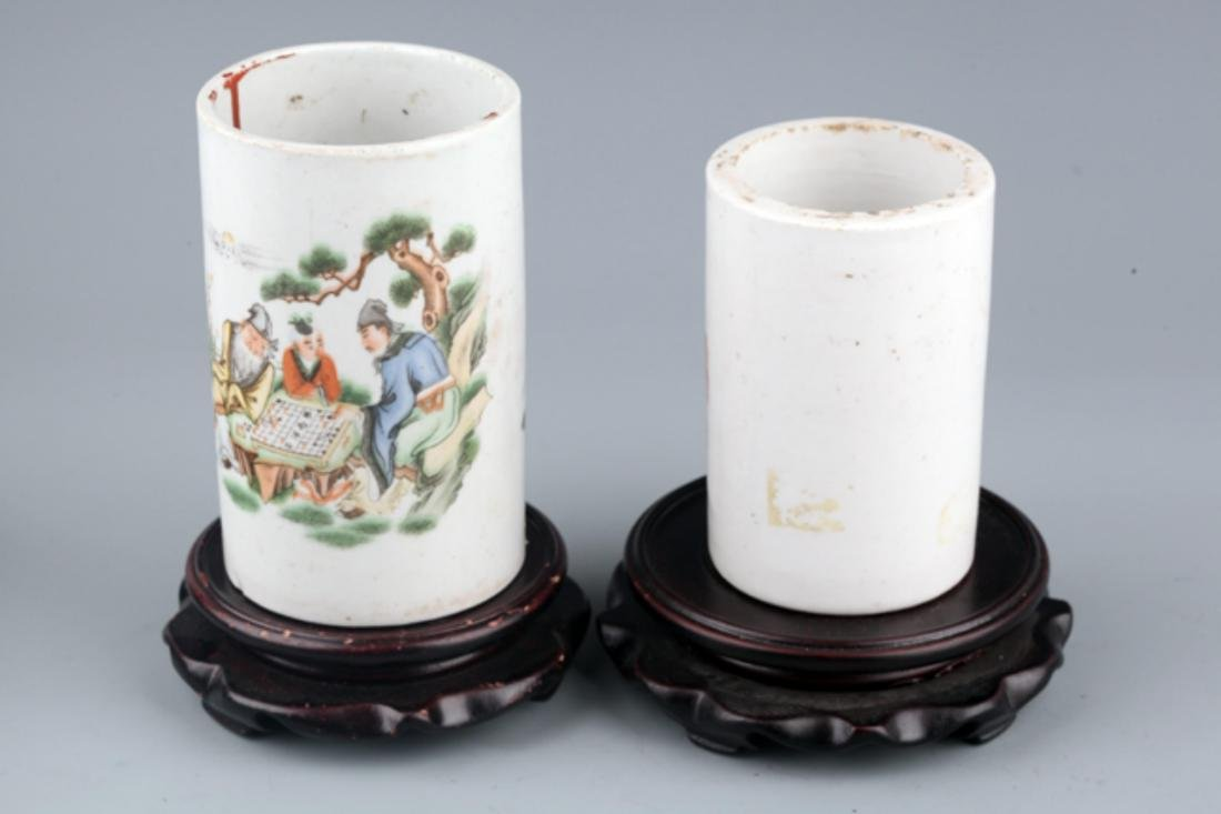 A PAIR OF COLORFUL STORY PAINTED BRUSH POT - 2