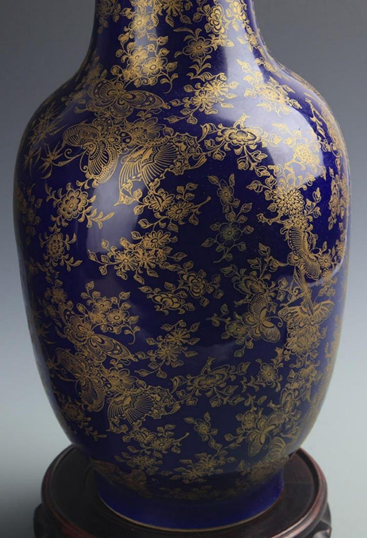 A FINE BLUE GROUND BUTTERFLY PATTERN VASE - 3