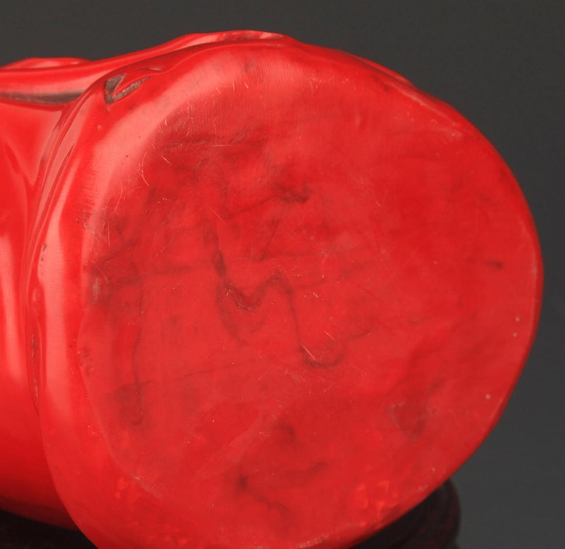 A FINE RED COLOR PLASTIC GUAN YIN STATUE - 3