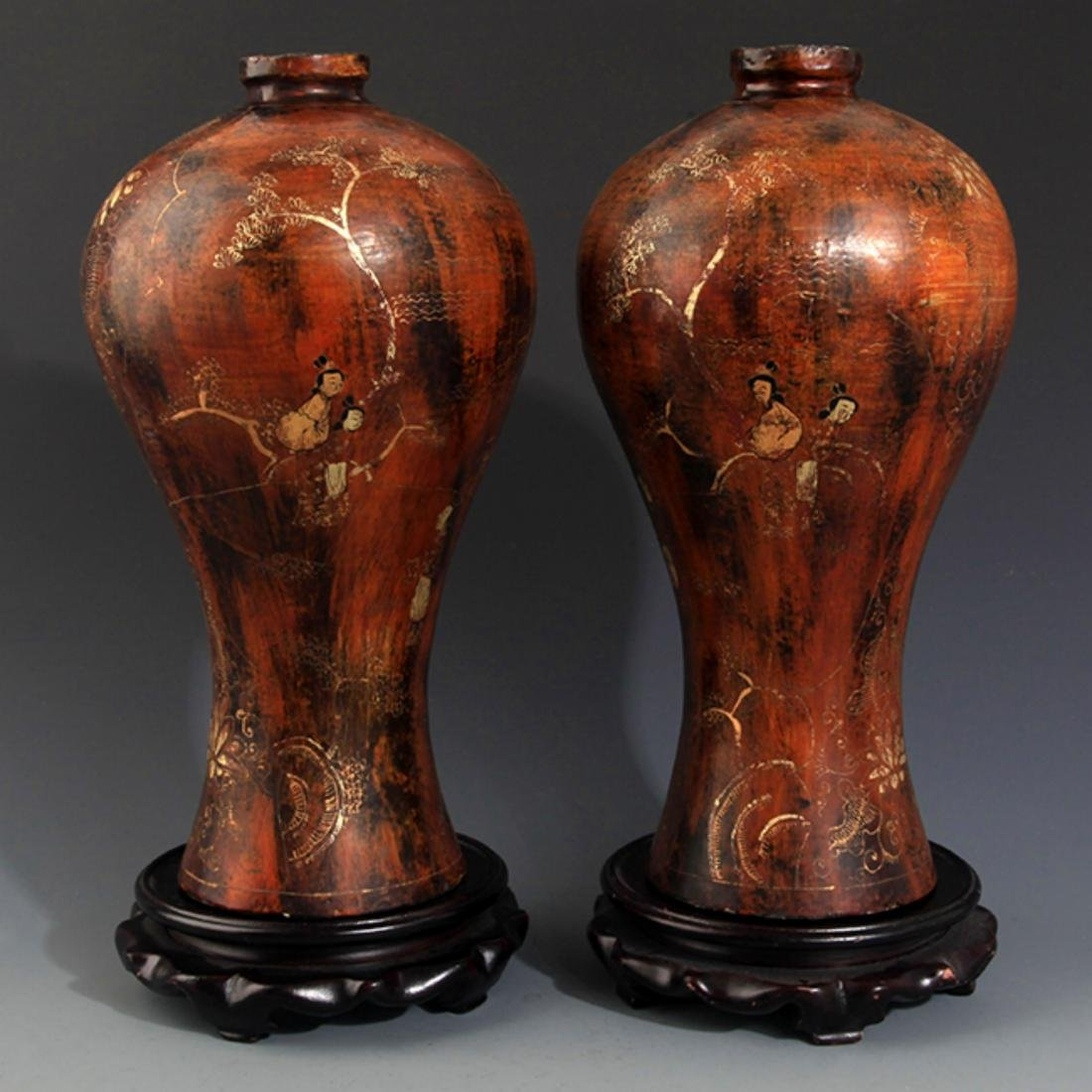 A PAIR OF TALL PAINTED LACQUER BOTTLE