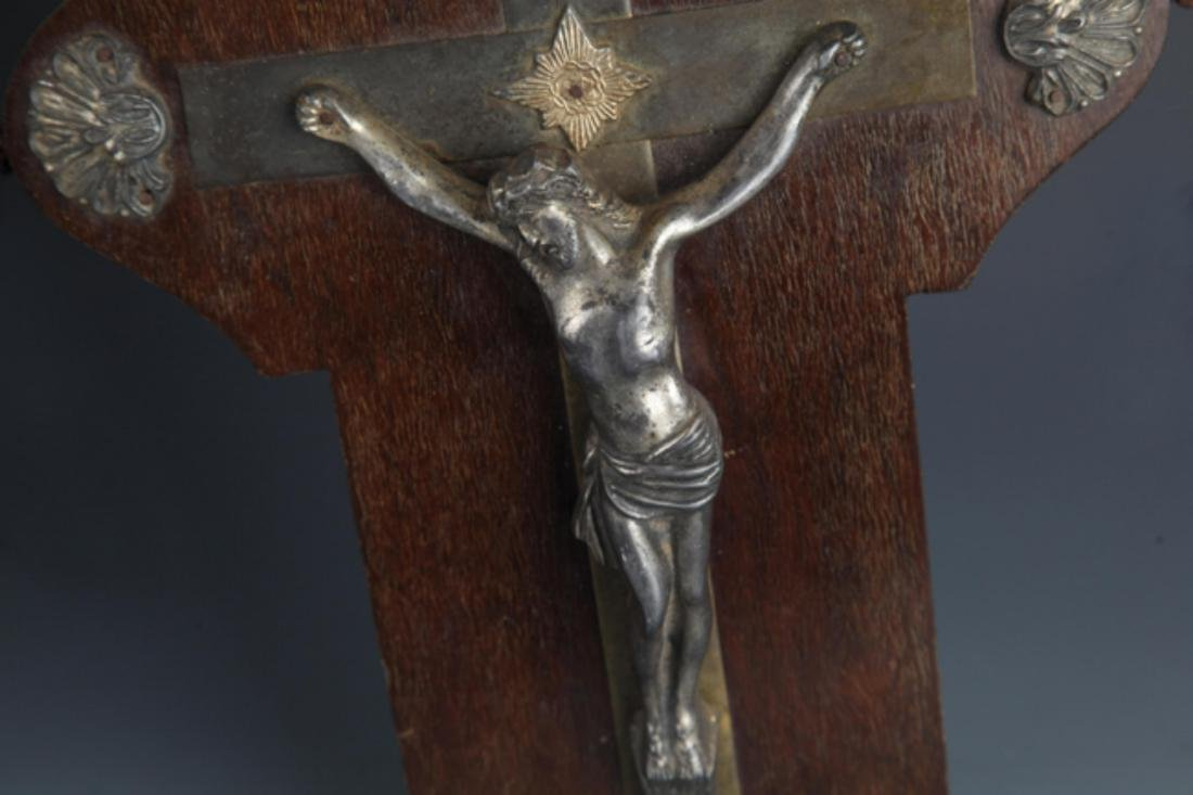 A LARGE SILVER PLATE JESUS FIGURE - 3