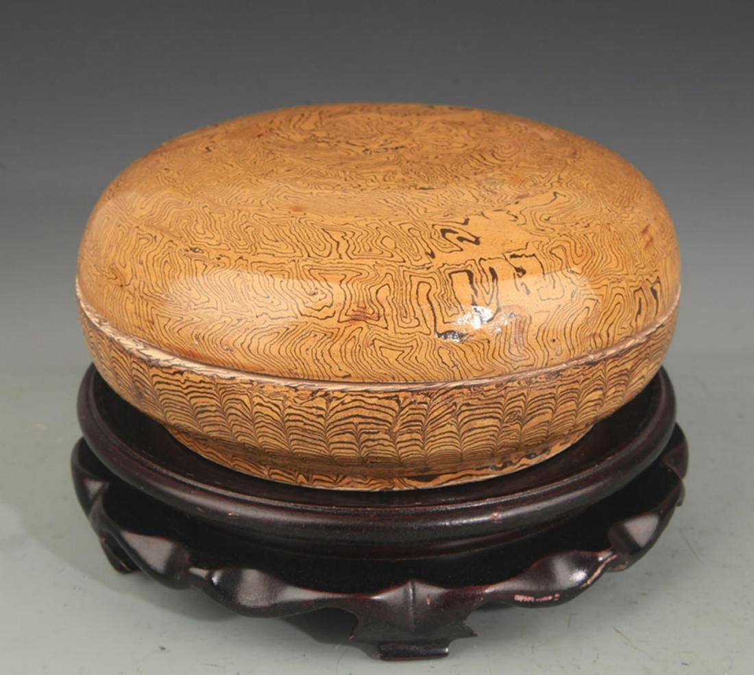 A YELLOW GLAZE INCENSE BOX