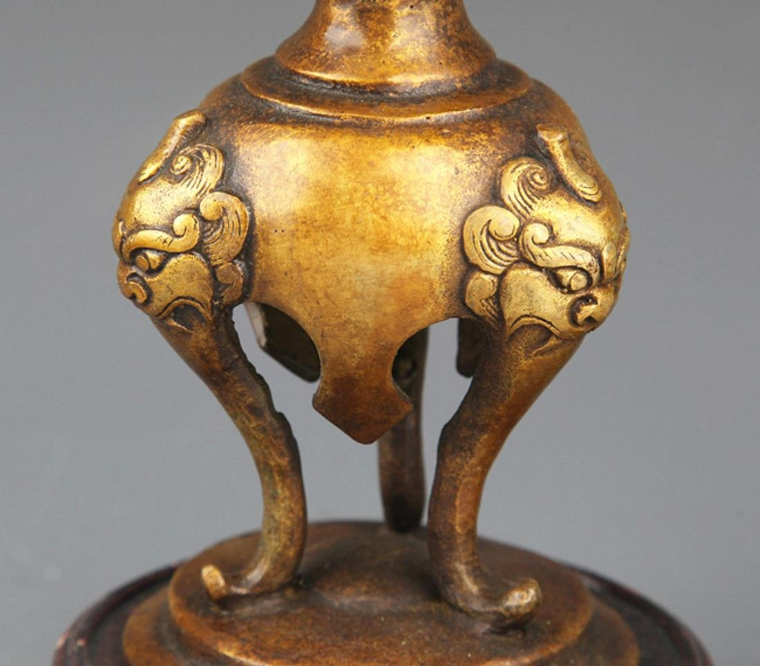 A PAIR OF ANIMAL EAR BRONZE CANDLESTICK - 6