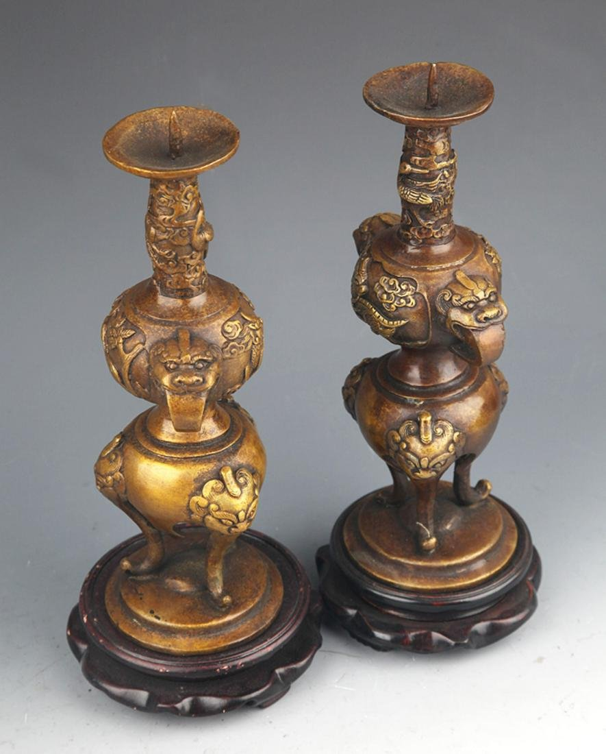 A PAIR OF ANIMAL EAR BRONZE CANDLESTICK - 7