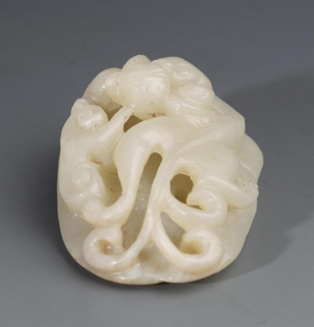 A FINELY DRAGON CARVING PALE CELADON JADE PENDANT - 3
