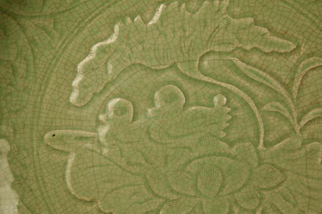 A LARGE DARK GREEN COLOR LOTUS CARVING PLATE - 3