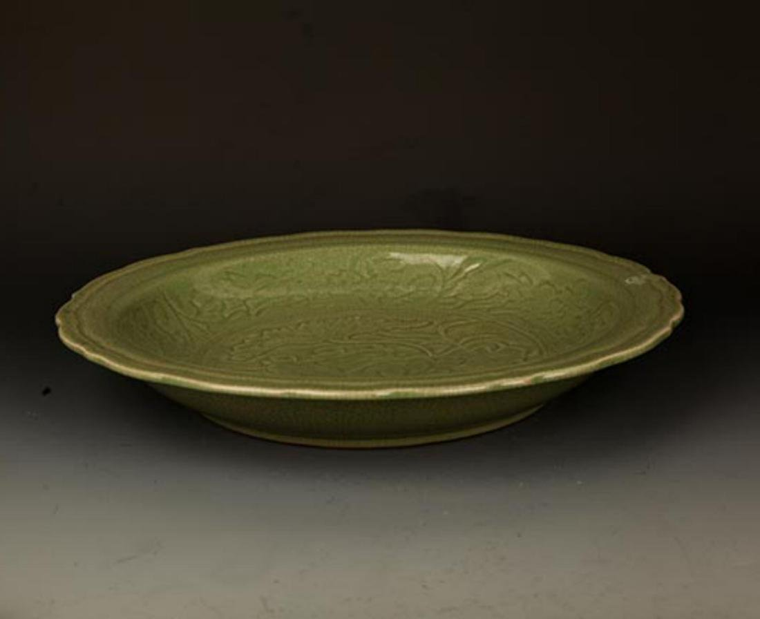 A LARGE DARK GREEN COLOR LOTUS CARVING PLATE - 5