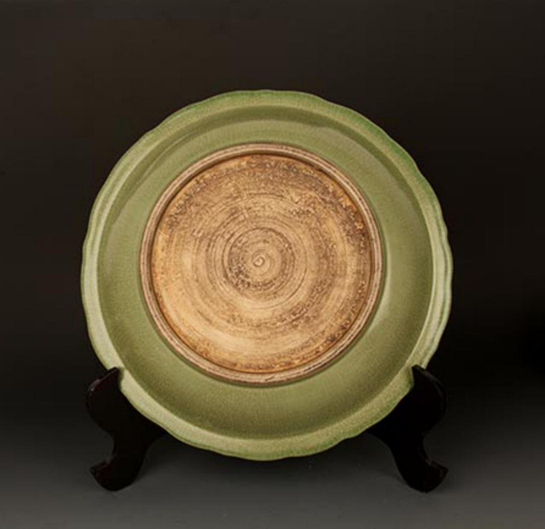 A LARGE DARK GREEN COLOR LOTUS CARVING PLATE - 6