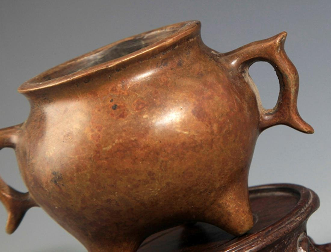 A DOUBLE FISH EAR SHAPED BRONZE CENSER - 2