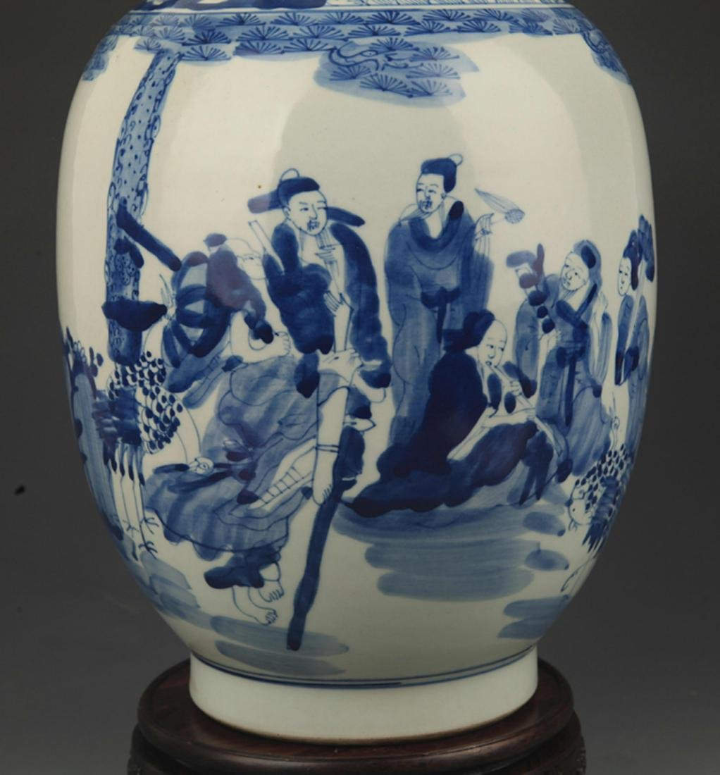 A BLUE AND WHITE STORY PAINTED PLATE TOP VASE - 3