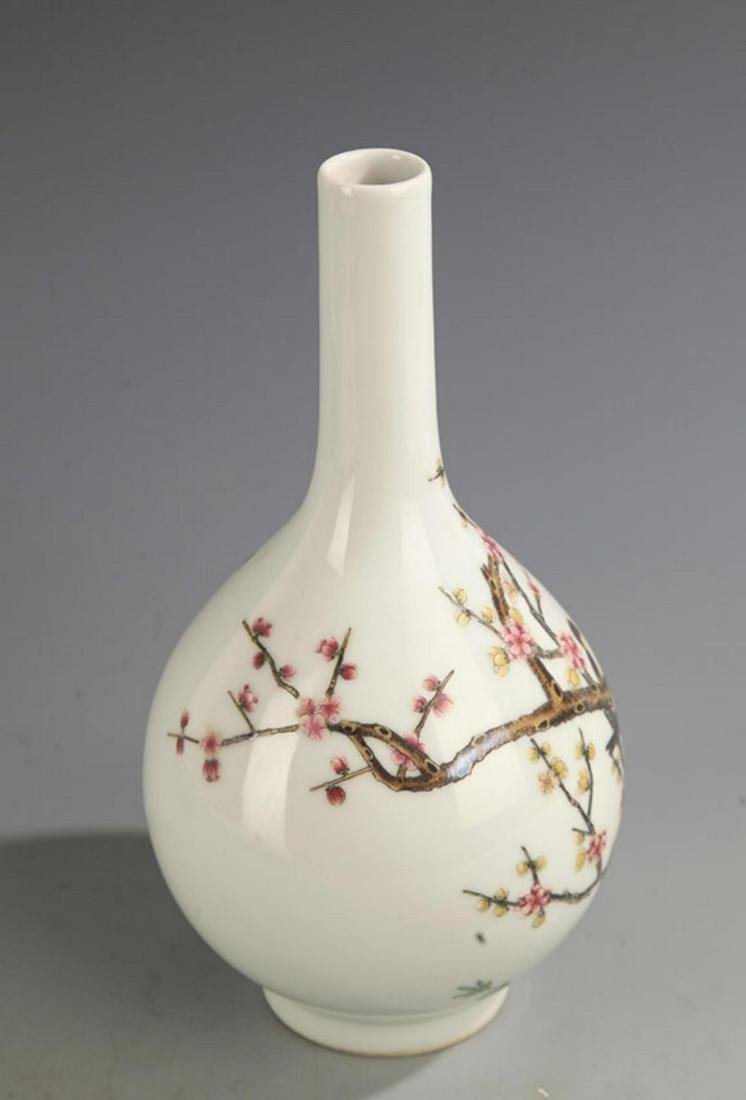 A FAMILLE-ROSE MAGPIE ON PLUM TREE PORCELAIN BOTTLE - 2