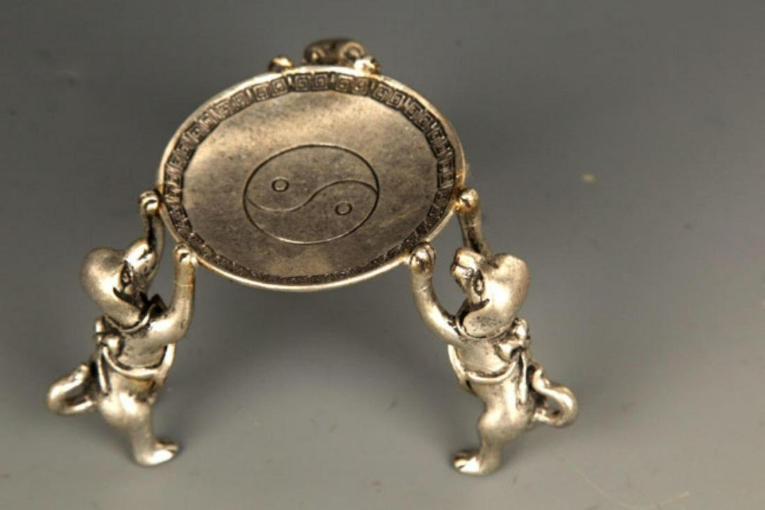 PAIR OF TREE DOG SILVER PLATED STAND - 3