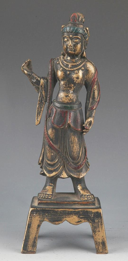 A FINELY CARVED BRONZE BUDDHA STATUE