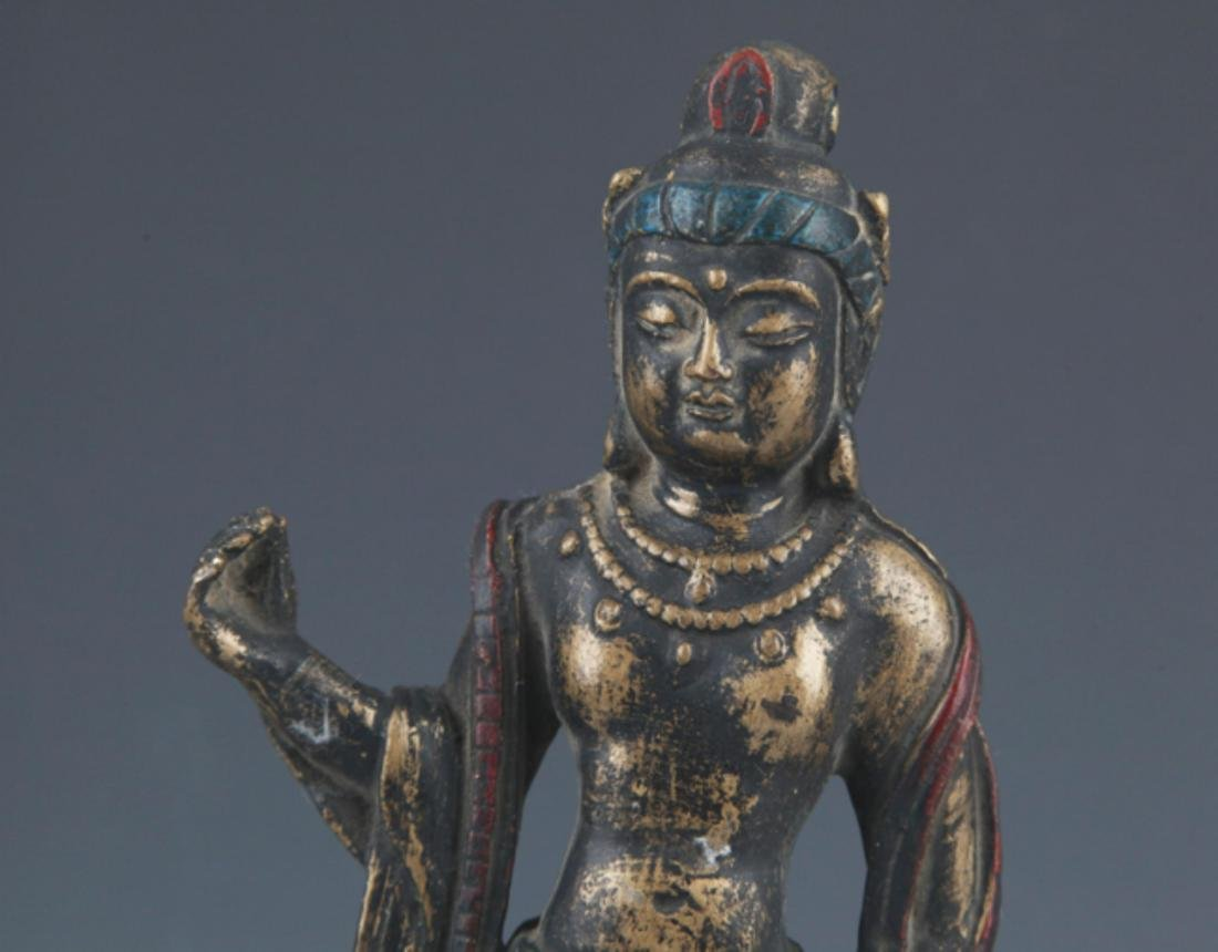 A FINELY CARVED BRONZE BUDDHA STATUE - 2